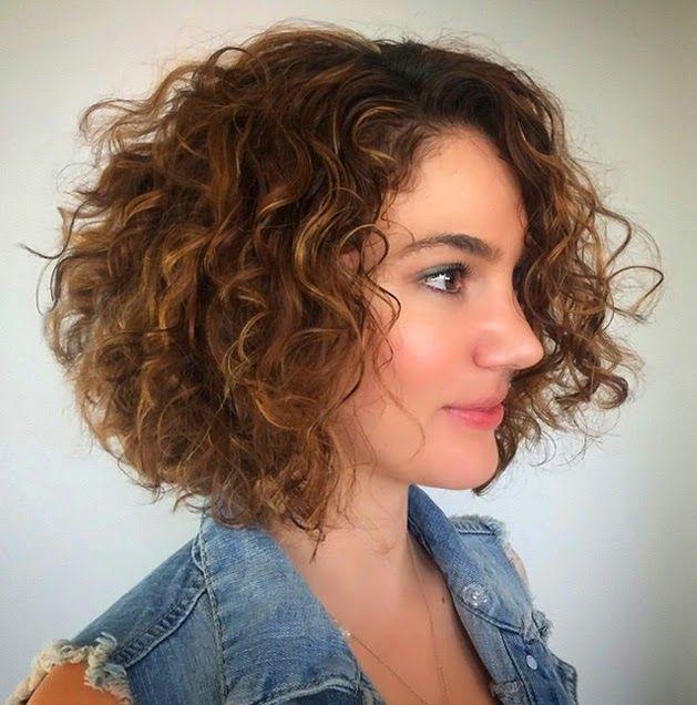 cortes de pelo rizado en capas cortas