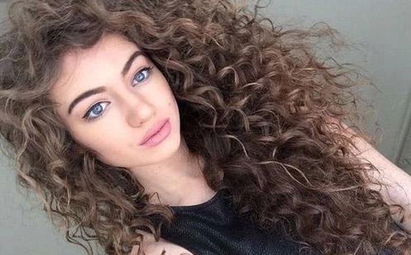 cortes de pelo rizado largo