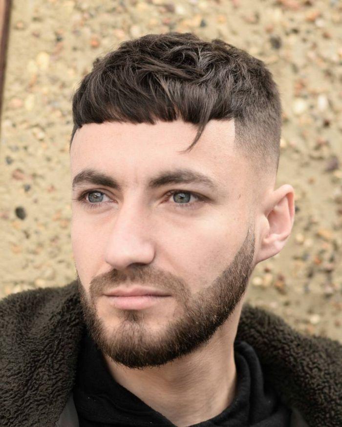 cortes de pelo con flequillo para el costado hombre