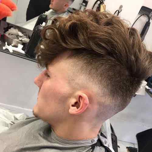 cortes de pelo con flequillo al costado para hombres