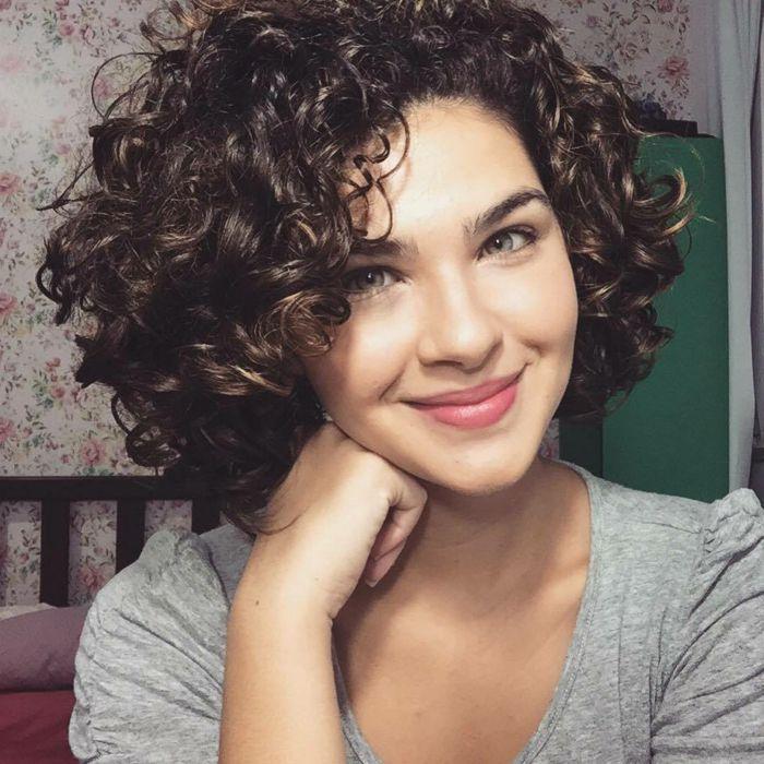 cortes de pelo rizado para mujer